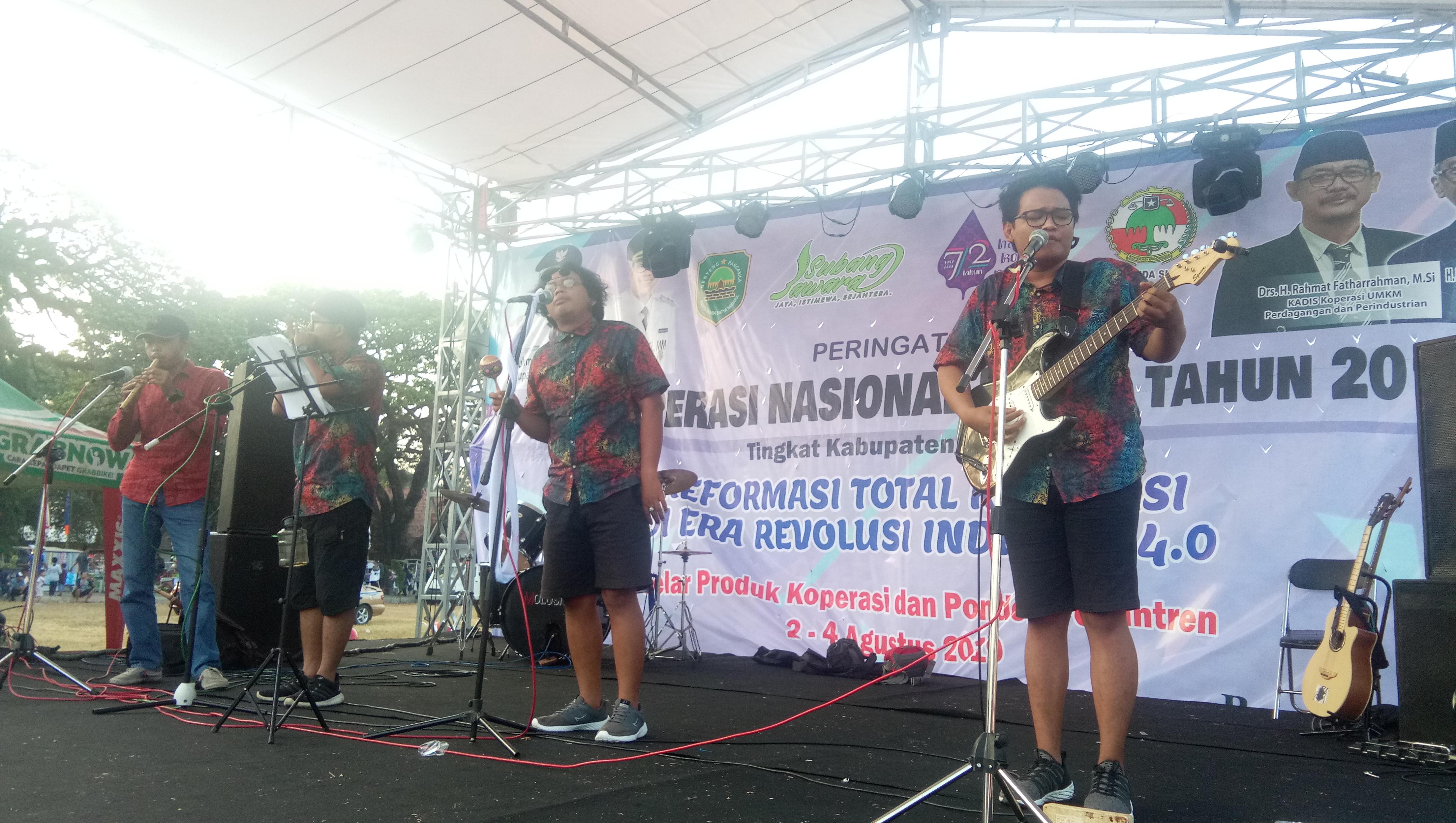 Grup Ambek Adil Paramarta Musik Sebagai Media Mengungkapkan Kegelisahan Pasundan Ekspres