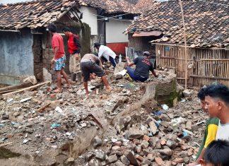 Rumah Hanyut di Pagaden